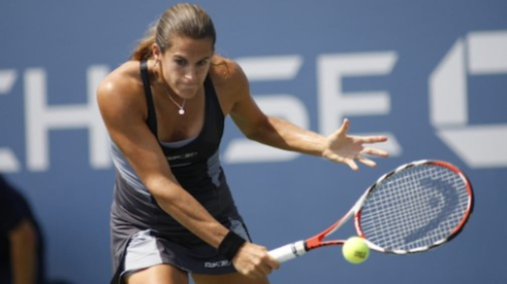 Looks like Amelie Mauresmo has found some of the magic that delivered two grand slam titles. As for Ana