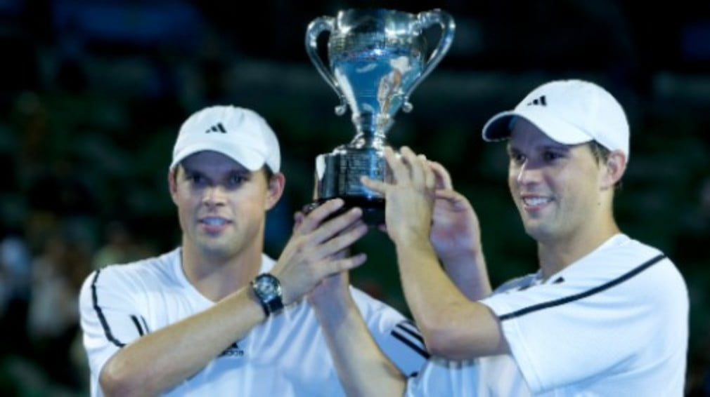 The American twosome regained the No.1 ranking spot and settled a score with Aussie Open doubles victory over Mahesh Bhupathi and Mark Knowles