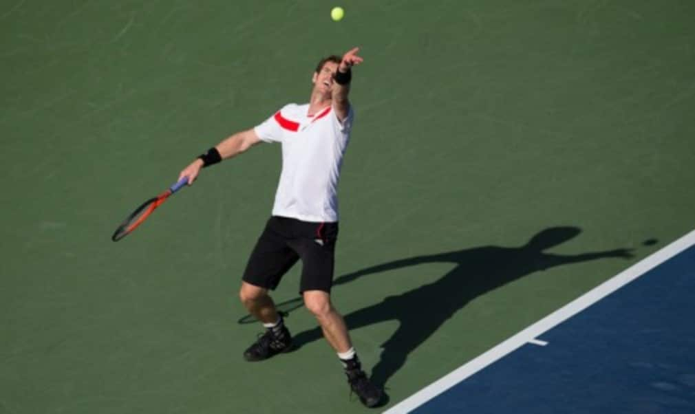 Andy Murray claimed his first victory on his return from back surgery as he defeated Stanislas Wawrinka at an exhibition event in Abu Dhabi