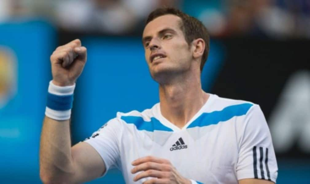 Andy Murray wasted little time as he powered into the second round of the Australian Open with a straight-sets victory over Go Soeda