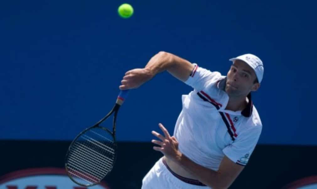 Ivo Karlovic fired 44 aces at the PBZ Zagreb Indoors on Tuesday to equal Mark PhilippoussisŠ—È 18-year-old record for a best-of-three sets match