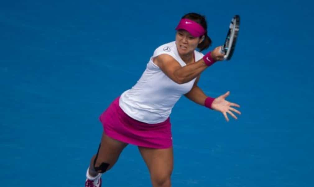 Li Na is on the verge of moving to No.2 in the WTA rankings following Victoria AzarenkaŠ—Ès withdrawal from the Qatar Total Open in Doha