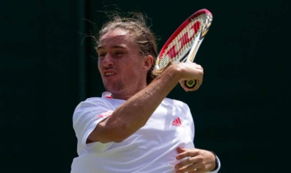 Alexandr Dolgopolov reached his first Masters 1000 semi-final with victory over Milos Raonic at the BNP Paribas Open