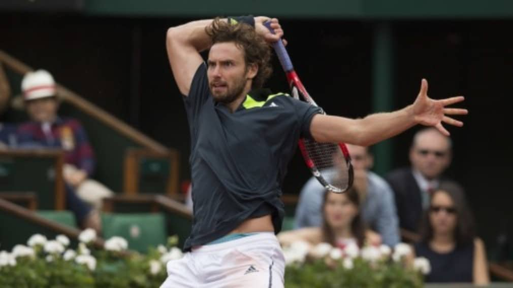 Ernests Gulbis reached his first Grand Slam semi-final after powering past sixth seed Tomas Berydch 6-3 6-2 6-4