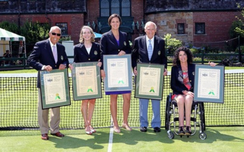 Former world No.1 Lindsay Davenport and legendary tennis coach Nick Bollettieri were amongst the five inductees to the International Tennis Hall of Fame this year