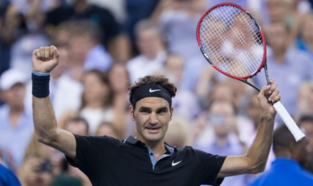 Roger Federer returned to world No.2 following his victory at the Shanghai Rolex Masters