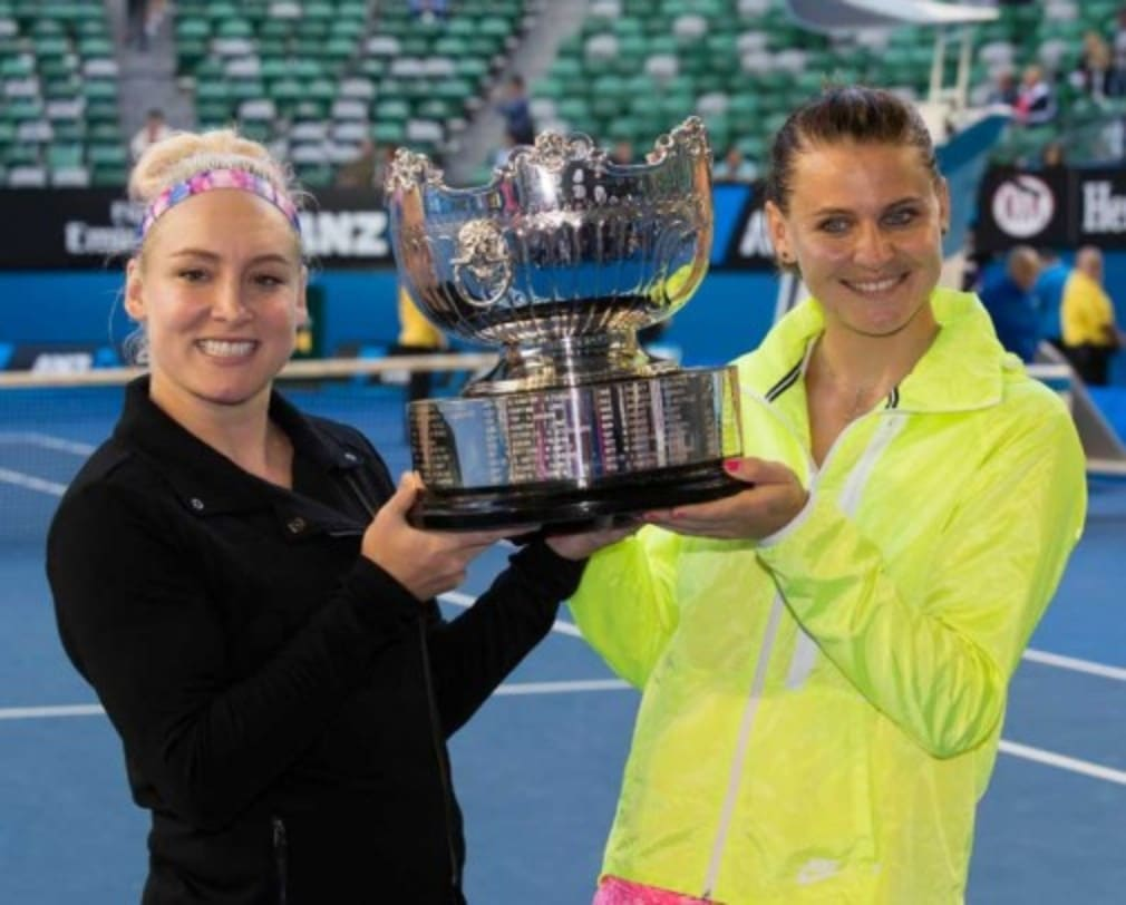 Lucie Safarova and Bethanie Mattek-Sands defeated Chan Young-Jan and Zheng Jie 6-4 7-6(5) to win the Australian Open women's doubles title