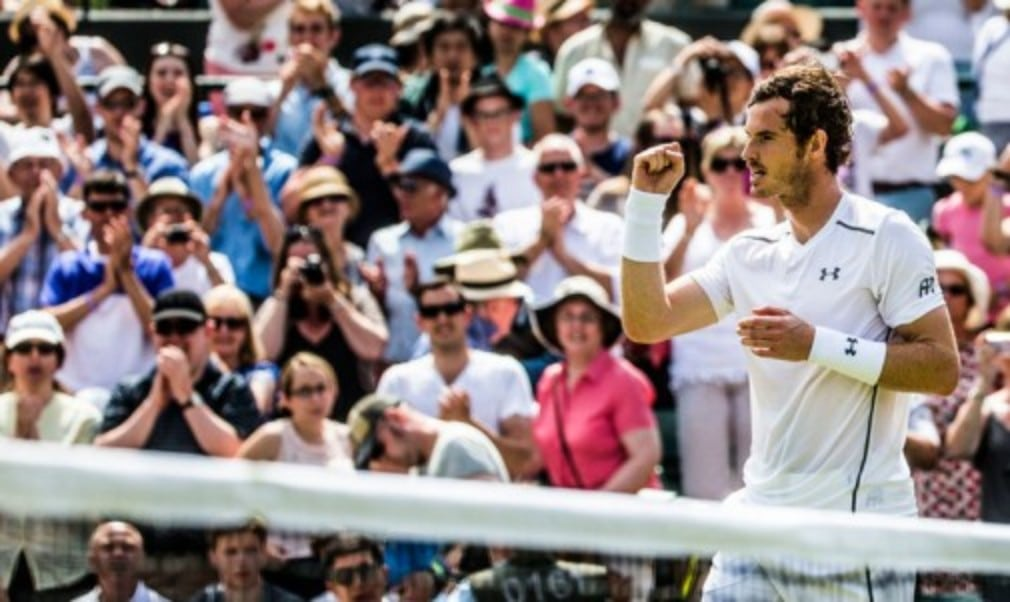 Andy Murray reached an eighth consecutive Wimbledon quarter-final after getting the better of big-serving Croatian Ivo Karlovic