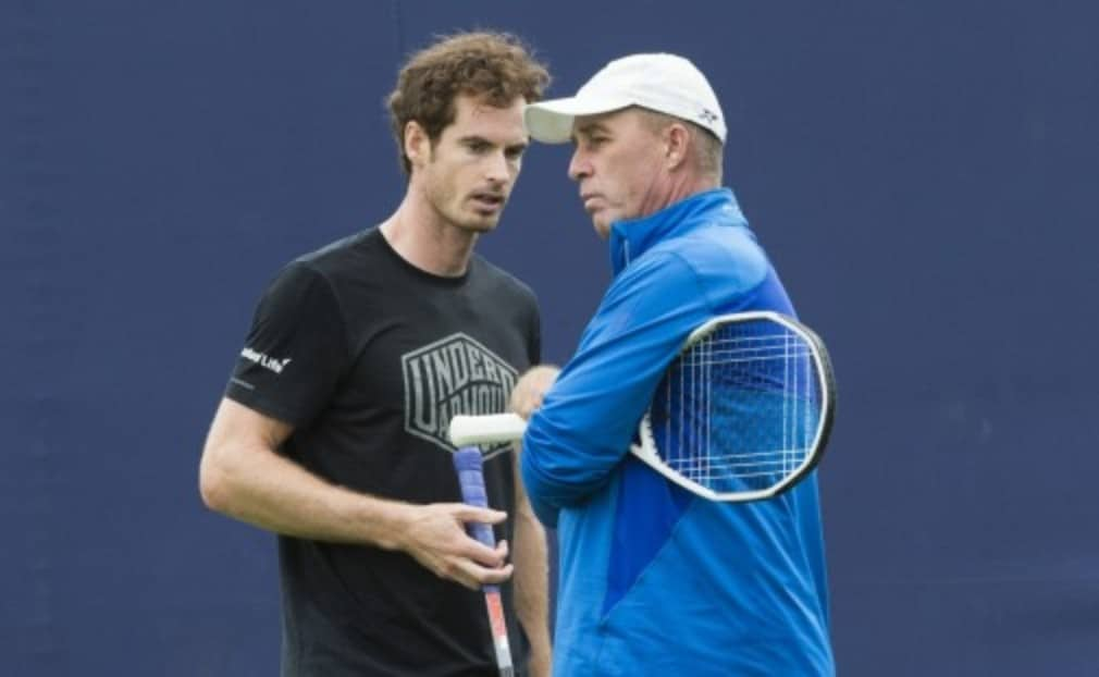 Andy Murray warmed up at QueenŠ—Ès on Tuesday under the watchful eye of newly re-appointed coach Ivan Lendl.