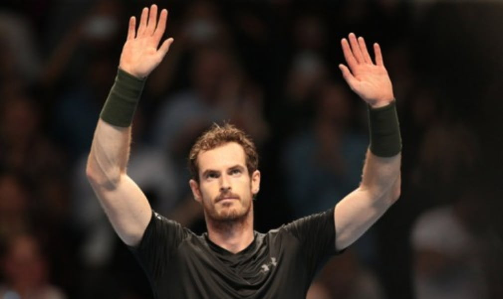 Andy Murray won his first match as world No.1 with victory over Marin Cilic at the Barclays ATP World Tour Finals