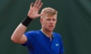 Kyle EdmundŠ—Ès latest attempt to win a maiden ATP title began with a 6-2 7-5 win over Alex De Minaur at the Estoril Open in Portugal