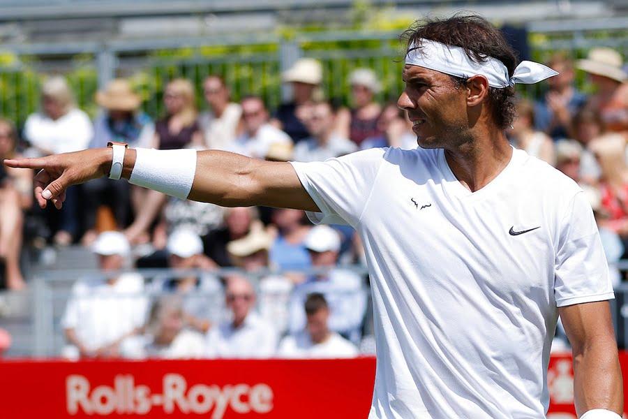 Rafael Nadal pointing