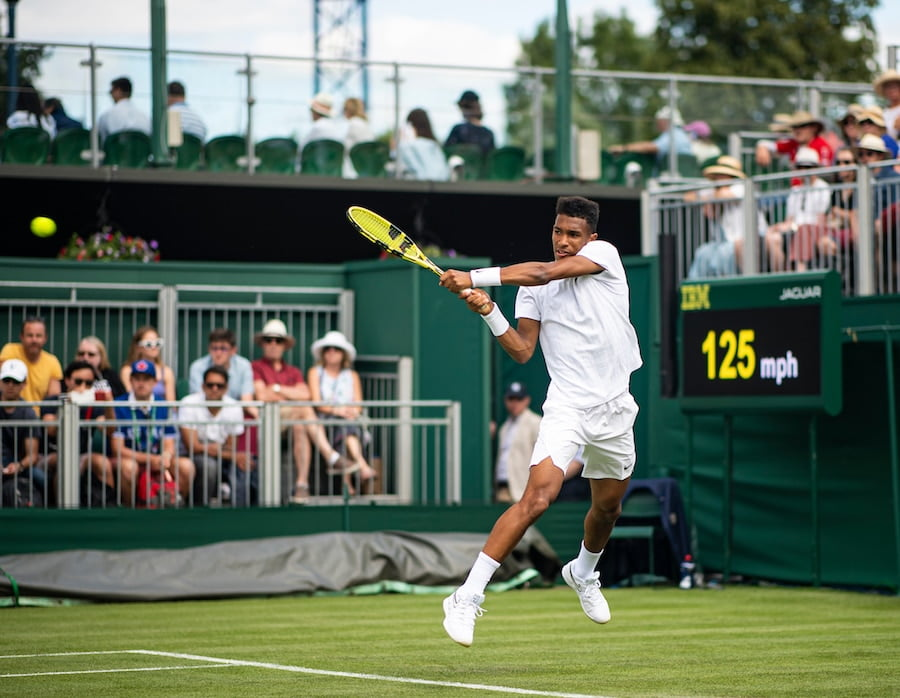 Felix Auger-Aliassime Wimbledon 2019 backhand