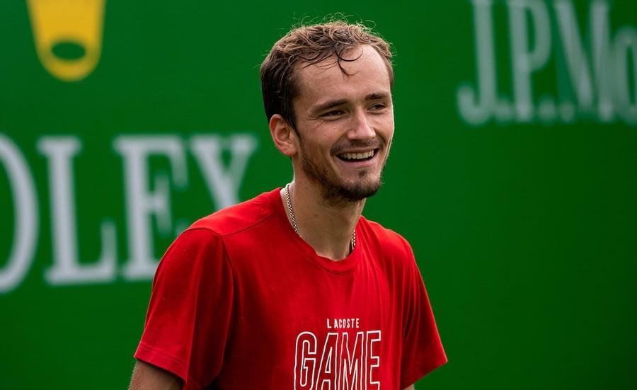 Daniil Medvedev achieves Roger Federer dream