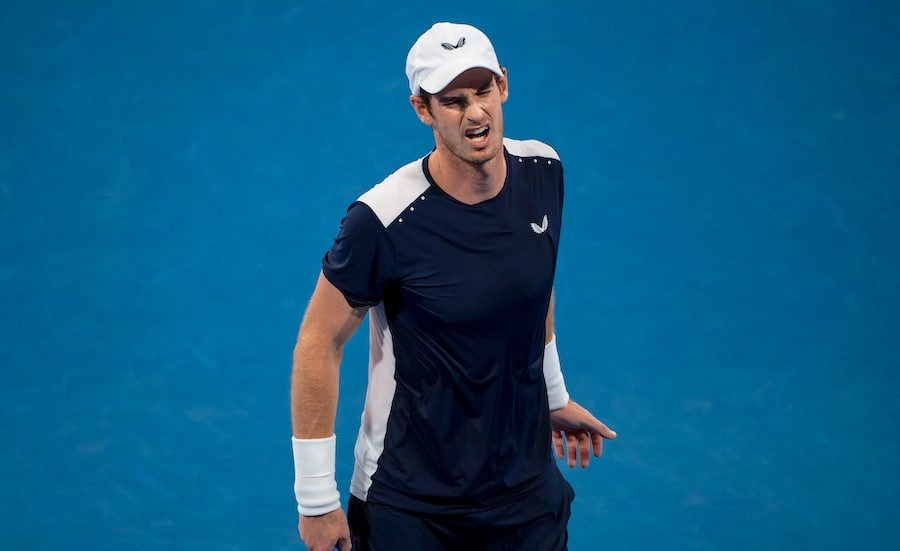 Andy Murray holds hip in pain at Australian Open 2019
