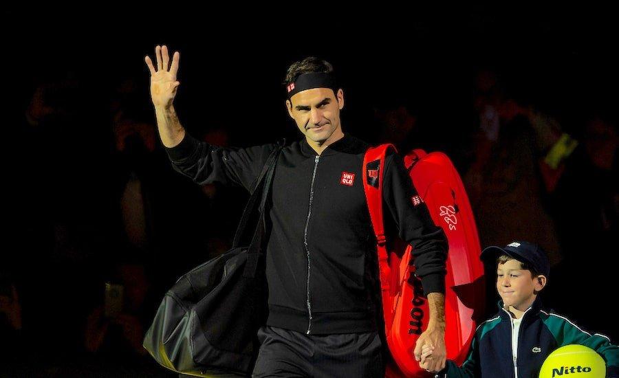 Roger Federer ATP Finals London 2019 with ballboy