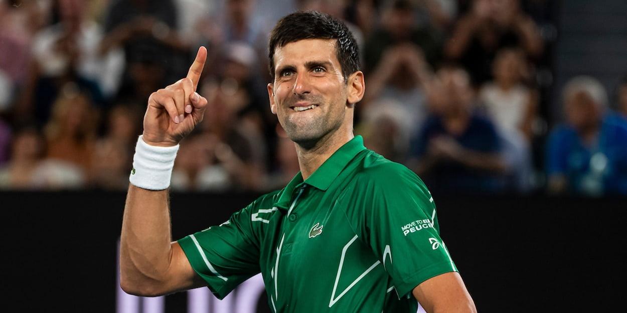 Novak Djokovic signalling