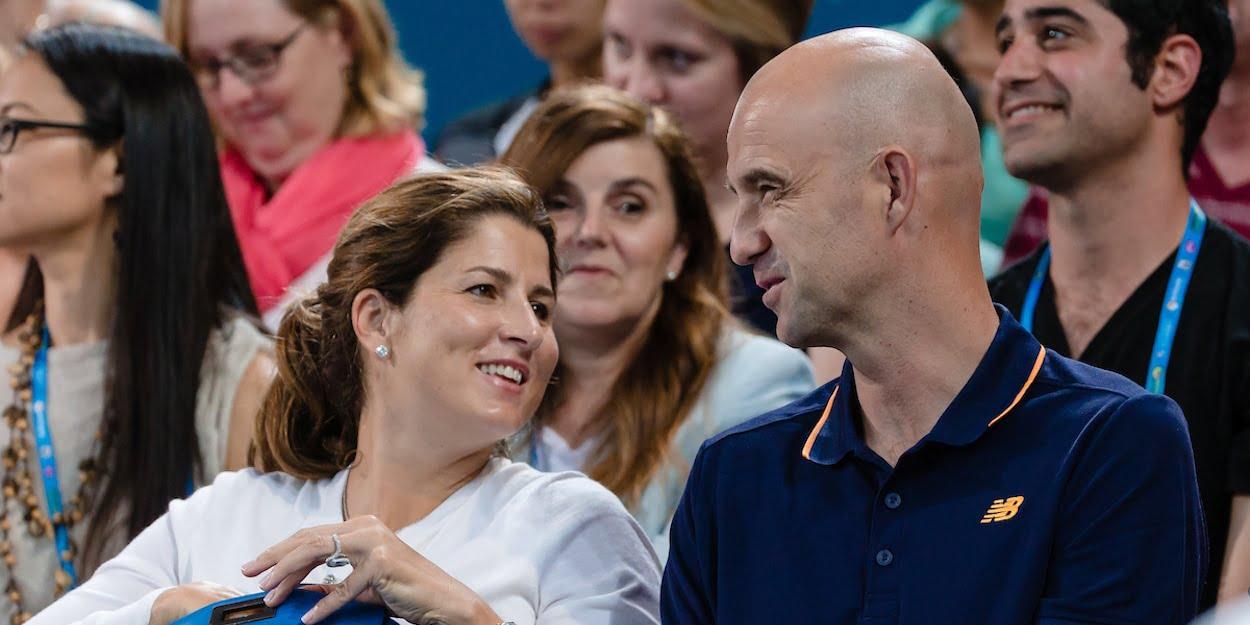 Roger Federer wife Mirka smiles