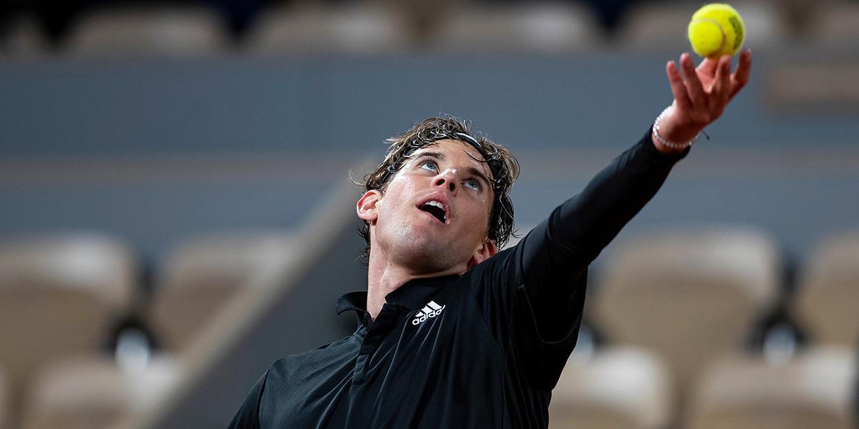 Dominic Thiem ball toss Roland Garros